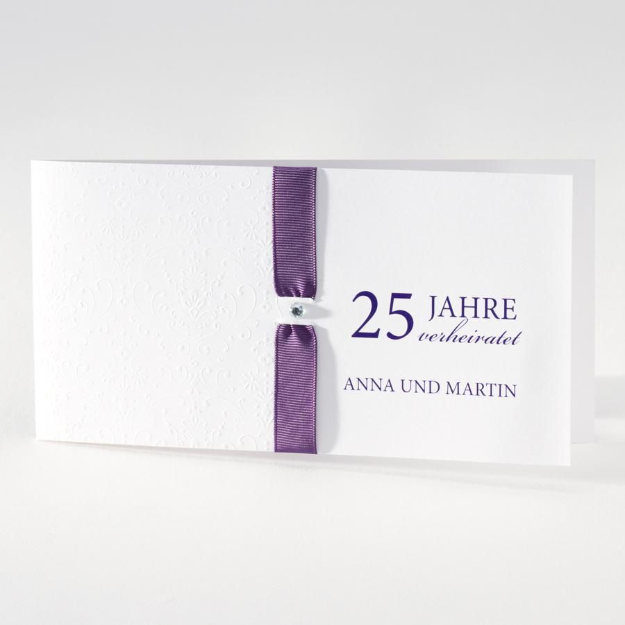 Elegante Weisse Hochzeitskarte Mit Pragung Und Violettfarbenem