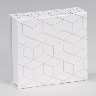 Boîte tiroir motifs cubiques  (727.139)