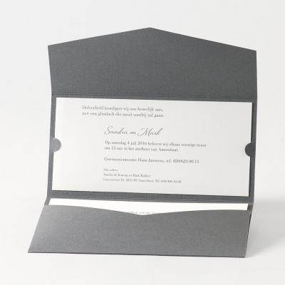 Staalgrijze envelopkaart met luxe opplakkaartje (105.047)