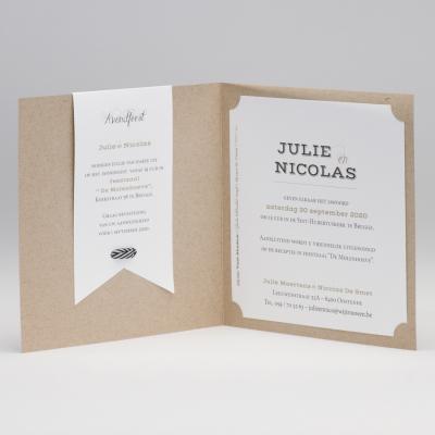 Trendy eco trouwkaart met zwart-wit gestreept lint (106.097)