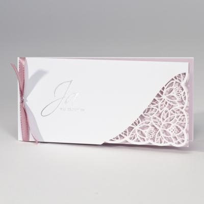 Langwerpige witte trouwkaart met gelaserd kantmotief NL - roze (108.091)