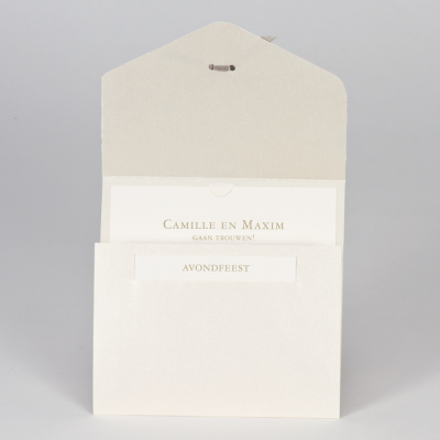 Elegante trouwkaart met kantmotief in flock - beige (108.116)