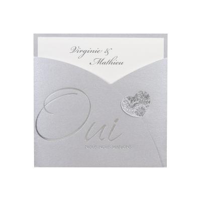 Huwelijkskaart met silver pochette 'Oui nous nous marions' (112.013)