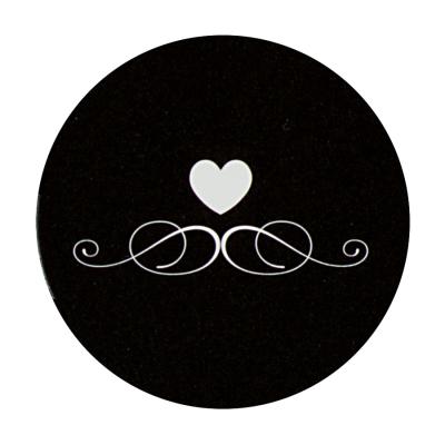 Zwarte sluitzegel met wit hart en barokkrul (175.102)