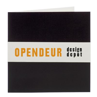 Zwarte luxekaart met slangmotief en wit bandje (313.095)