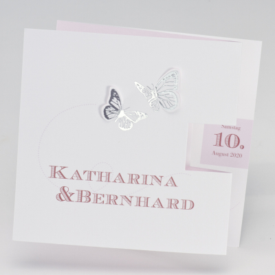 Romantische Hochzeitskarte mit silbernen Schmetterlingen und rosa Akzenten (106.071)