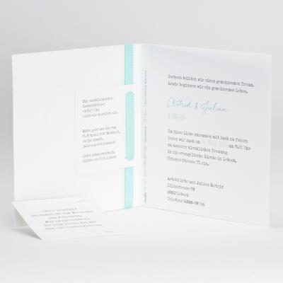 Weiße Hochzeitskarte mit mintgrünem Bändchen (106.080)