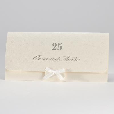 Elegante perlmuttfarbige Jubiläumskarte mit weißer Schleife (106.320)