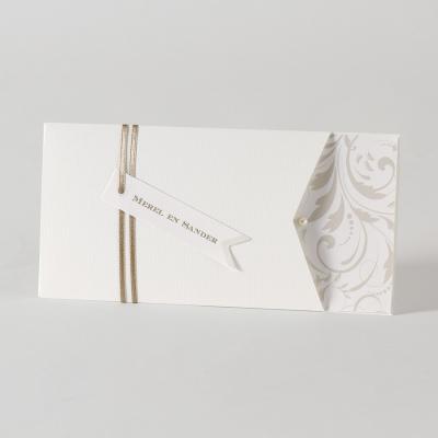 Romantische kaart met bloemmotief, bandje en parel (105.009)