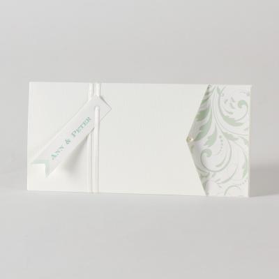 Romantische kaart met bloemmotief, bandje en parel  (105.010)