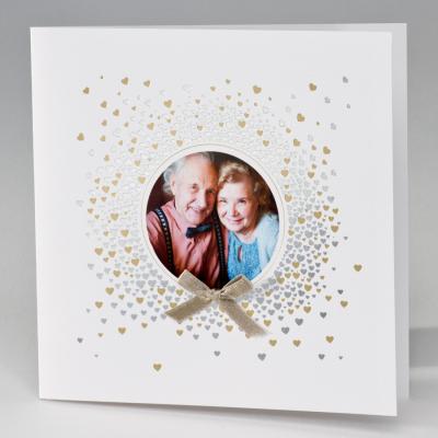 Witte huwelijkskaart explosie van hartjes (106.039)