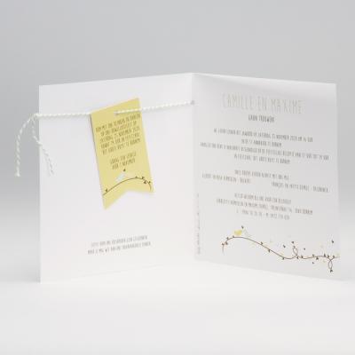 Vierkante trouwkaart met vlaggenlijn, speelse hartjes en vogeltjes (106.067)