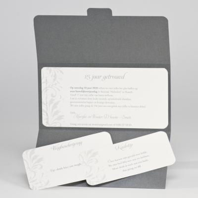 Luxe jubileumkaart met 25 in zilverfolie (106.308)