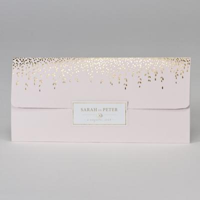 Roze huwelijkskaart met hangende blaadjes in goudfolie (108.069)