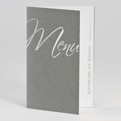 Zilveren kaart met wit inlegvel en in zilverfolie menu (200.090)